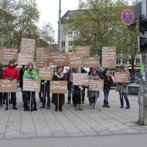 """silent protest"" auf dem Goetheplatz"